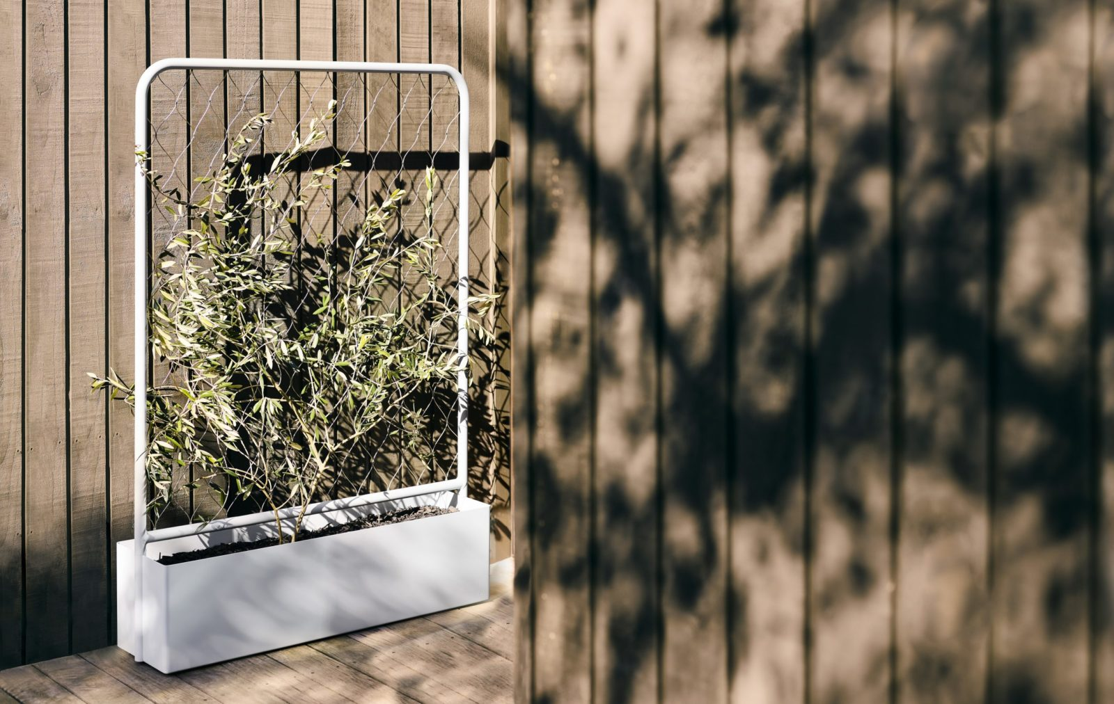 The Trace Planter is a luxury outdoor planter box created to bring wellbeing and functionality to outdoor design and introduce greenlife.