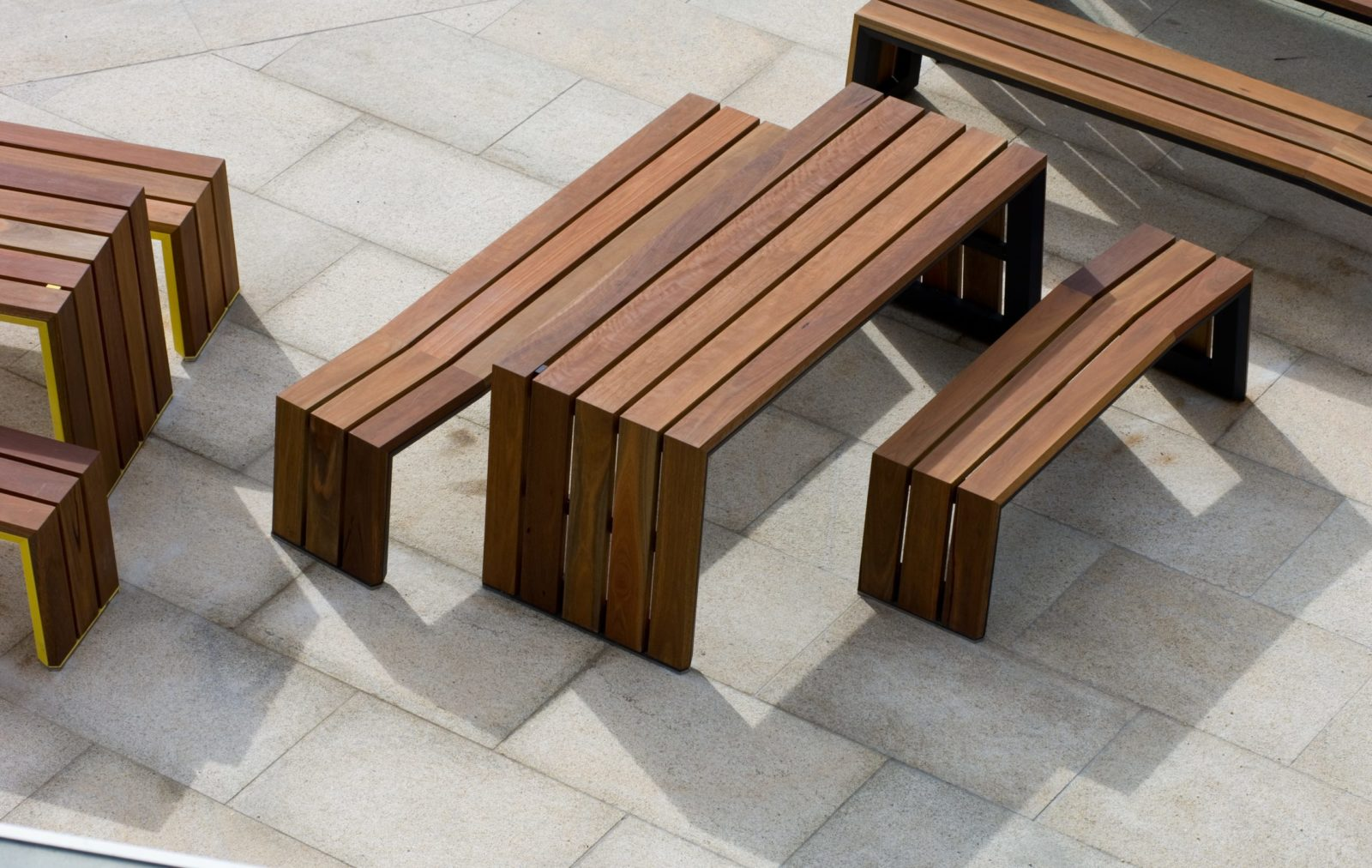Kink Commercial Outdoor Dining Table